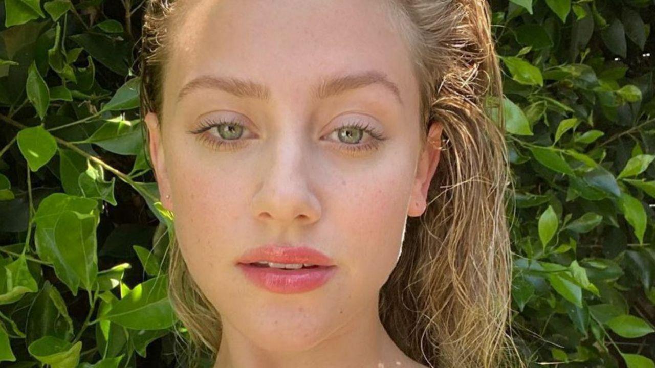 Lili Reinhart, la star di Riverdale nuda sui social, ma scoppia la polemica