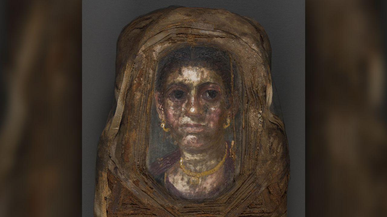 Lo scioccante ritratto che nasconde, in realtà, la mummia di una bambina