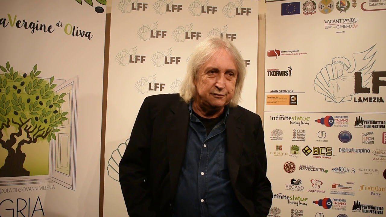 Lockdown all'italiana, il trash è garantito nel poster del film di Enrico Vanzina