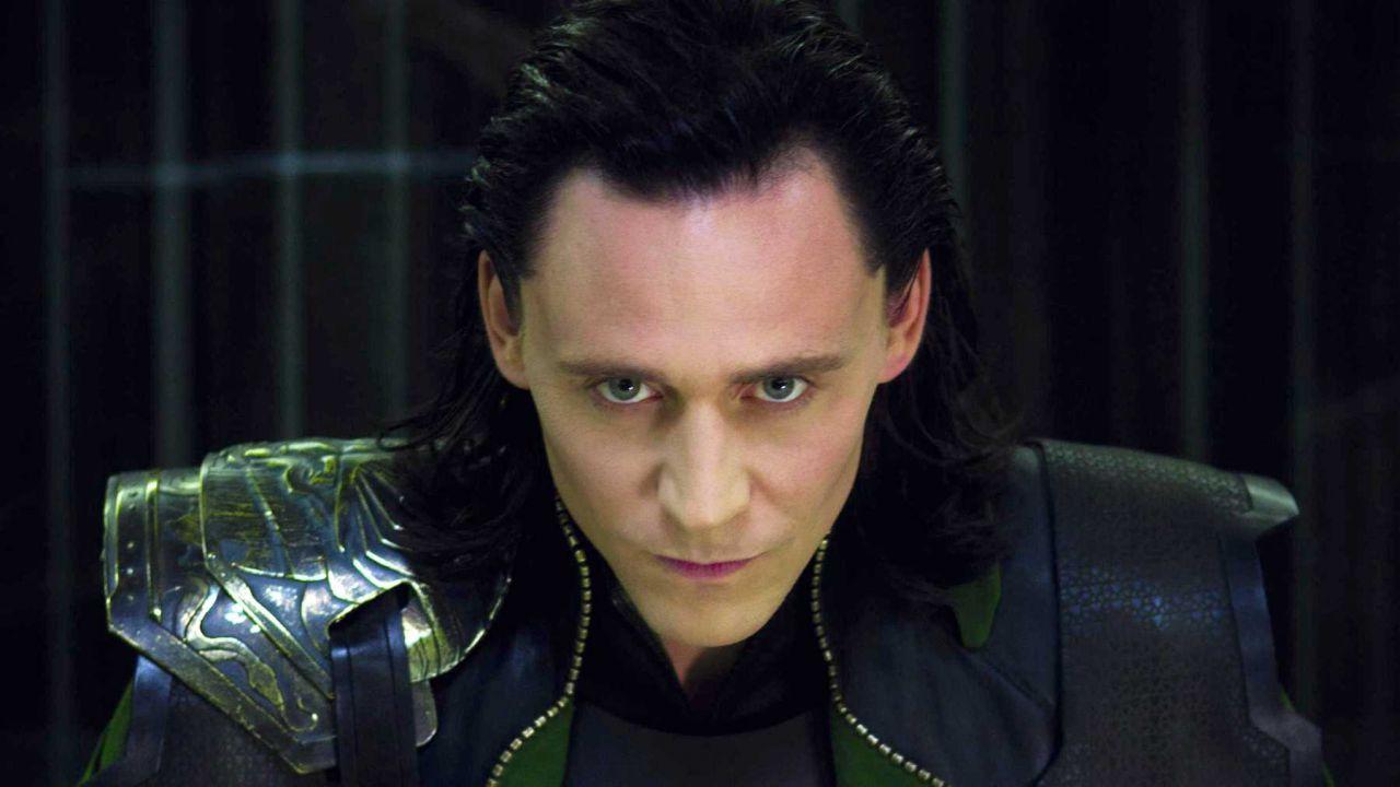 Loki, Kevin Feige entusiasta di aver puntato su Tom Hiddleston: 'Una vera rivelazione'