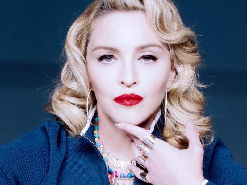 Madonna dopo le polemiche torna a provocare sui social