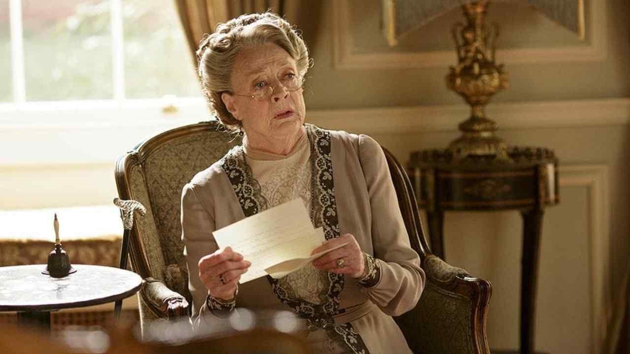 Maggie Smith, la star di Harry Potter rivela: 'Il tumore ti mette al tappeto'