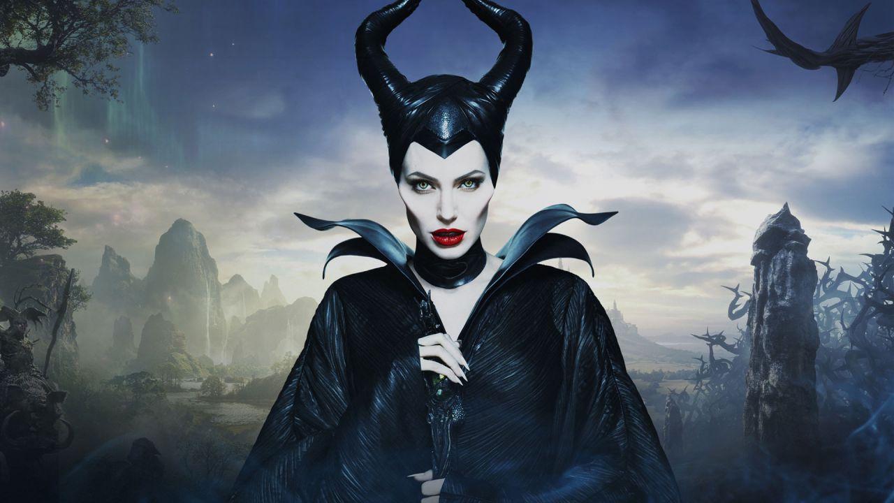Maleficent II ad ottobre 2019: nel poster con Angelina Jolie la nuova data di uscita!