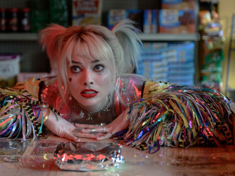 Margot Robbie più sexy che mai nel costume originale di Harley Quinn: ecco l'immagine