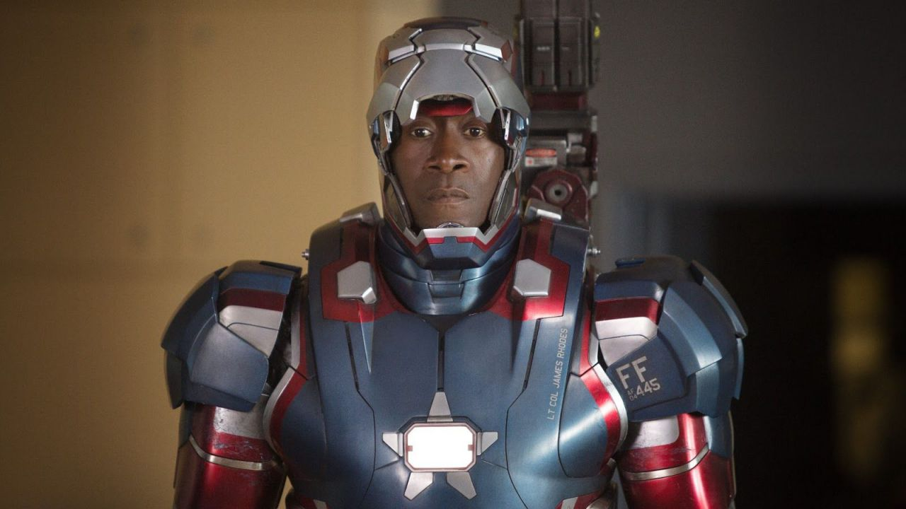 Marvel Cinematic Universe, perché War Machine è diventato Iron Patriot? Ecco la risposta