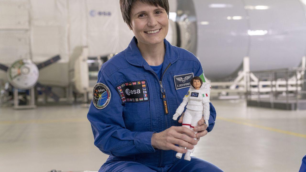 Mattel ha creato una Barbie astronauta con le sembianze della Cristoforetti