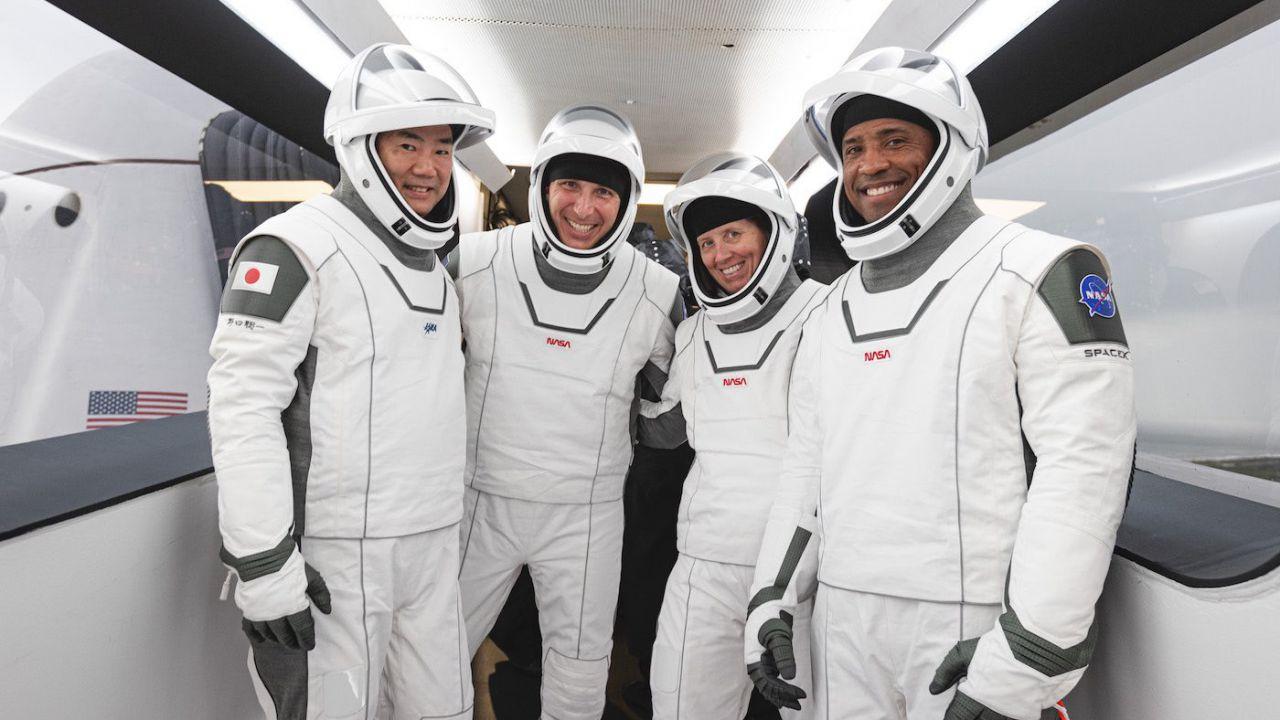 Meglio la Soyuz, lo Space Shuttle o la Crew Dragon di SpaceX? Astronauta leva ogni dubbio
