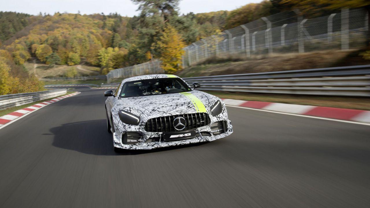 Mercedes-AMG GT R Pro: nuovo teaser in vista del debutto