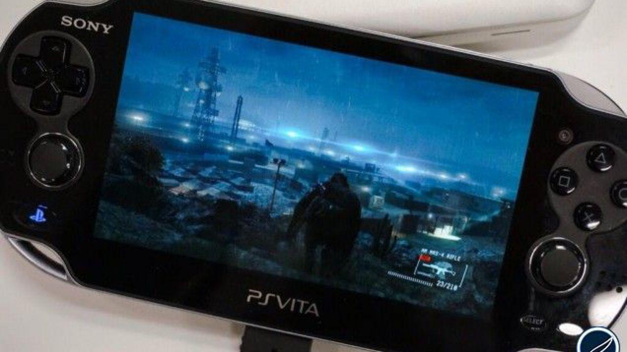 Metal Gear Solid 5 Ground Zeroes: Hideo Kojima mostra le custodie per iPhone