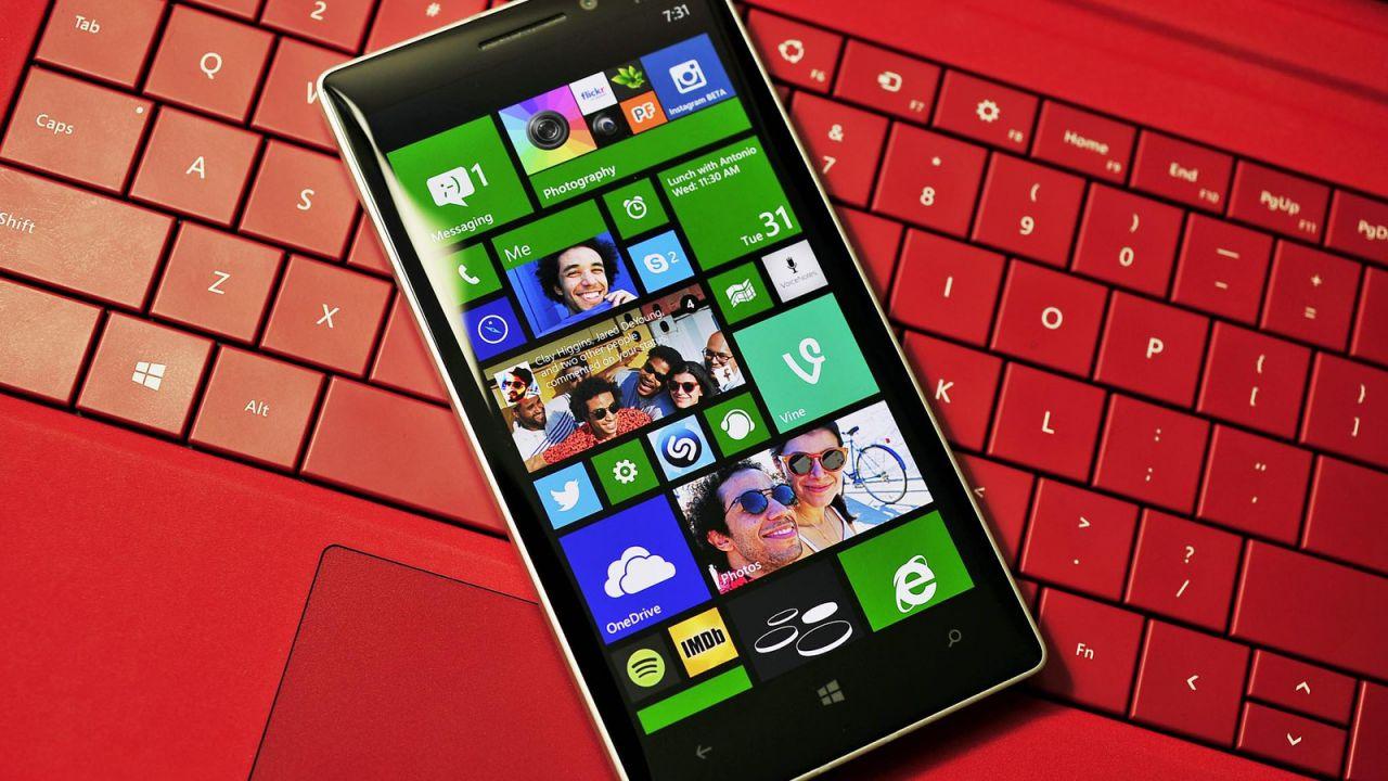 Microsoft aggiorna Windows 10 Mobile (contro la