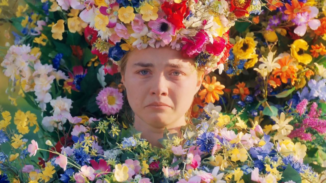 Midsommar, Florence Pugh è la Regina di Maggio in una foto del backstage