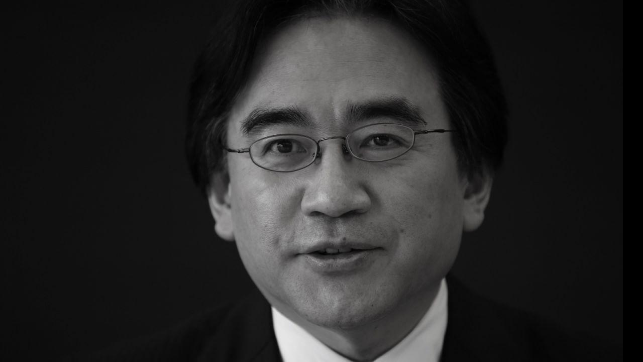 Migliaia di persone hanno partecipato al funerale Satoru Iwata