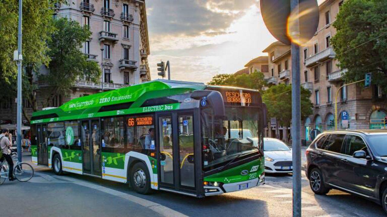 Milano combatte il coronavirus con altri 100 autobus elettrici