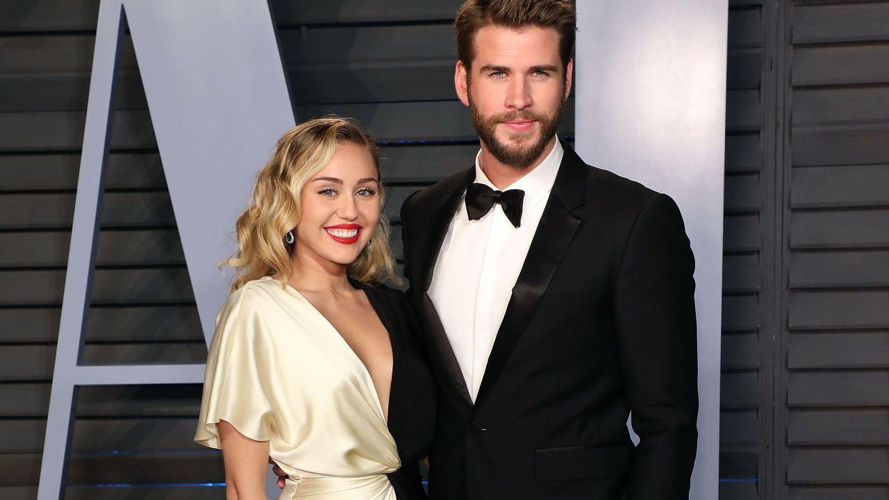 Miley Cyrus, la star confessa: 'Ho perso la verginità a 16 anni con Liam Hemsworth'