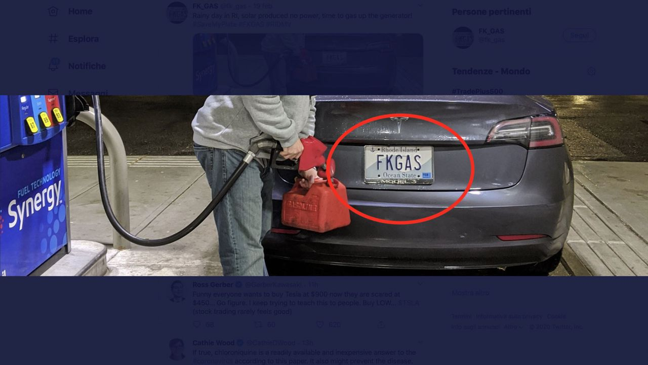 Monta sulla Tesla Model 3 la targa FKGAS: Fuck o Fake? È polemica
