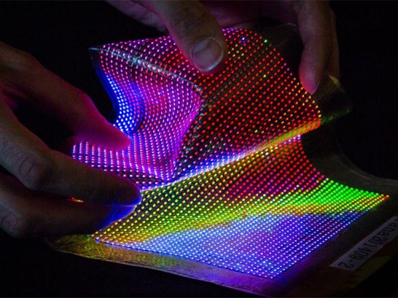 Mostrati nuovi display MicroLED flessibili e trasparenti