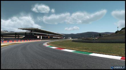 MotoGP13 Compact: Annunciate le date e i prezzi ufficiali della versione PS3 e PS Vita