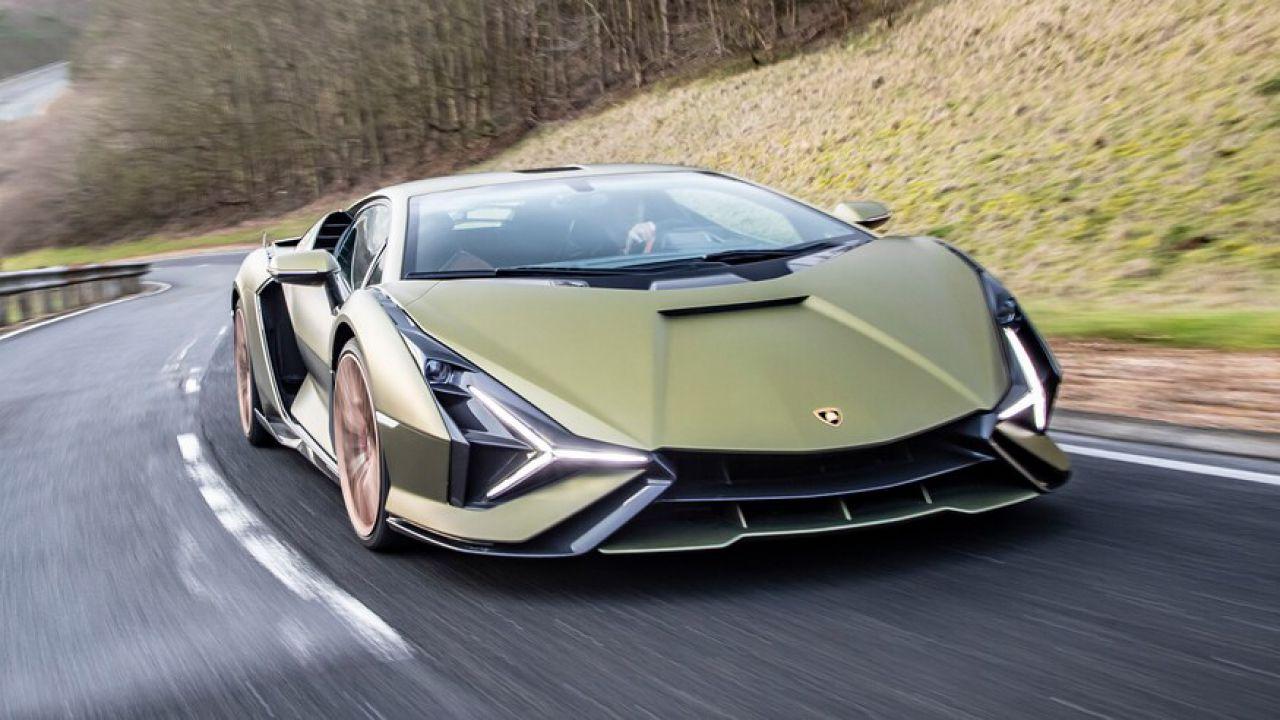 Motor Trend ha provato la Lamborghini Sian: 'È fuori di testa'