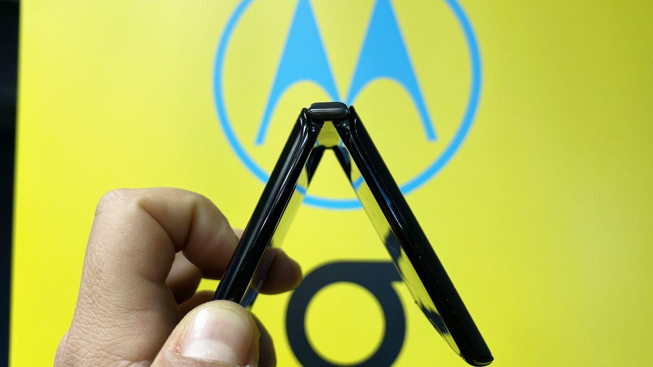 Motorola, in arrivo il RAZR 2: 'cambierà l'esperienza degli smartphone'