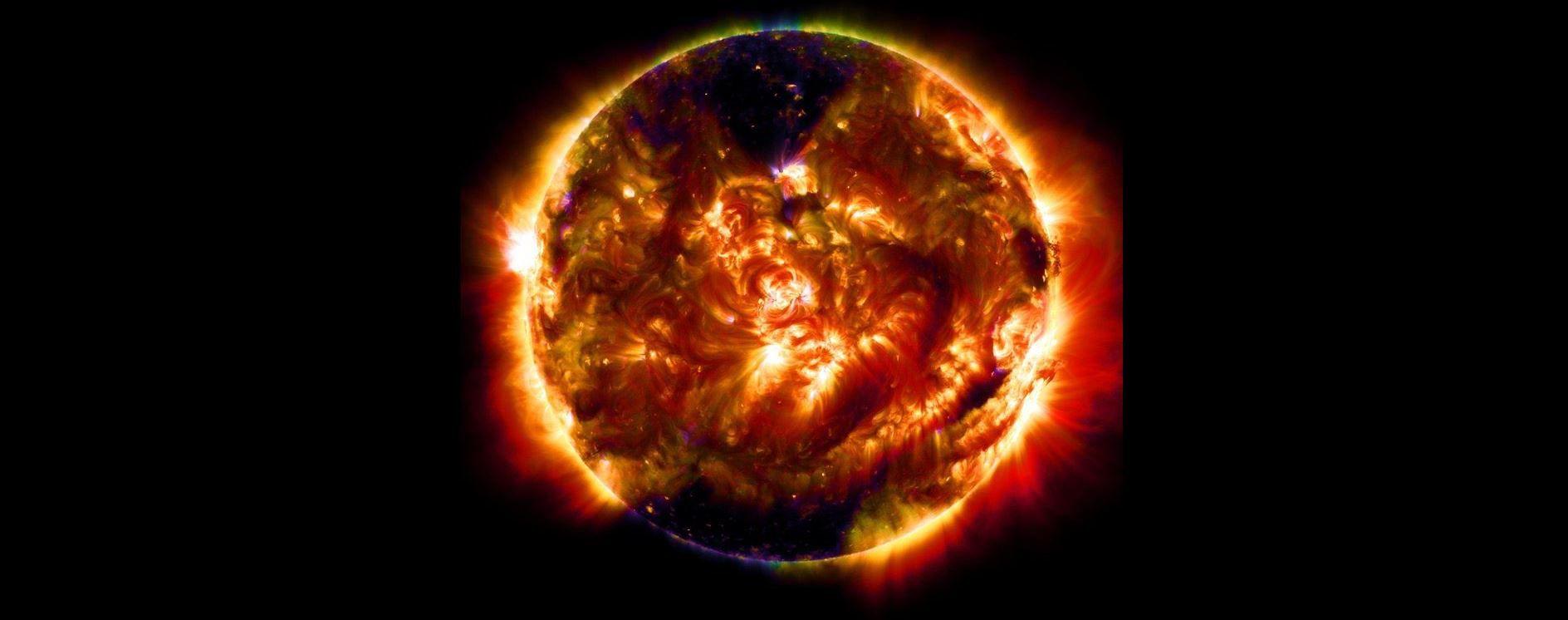 Nasa un filmato mostra un bagliore sulla superficie del sole for Mostra nasa