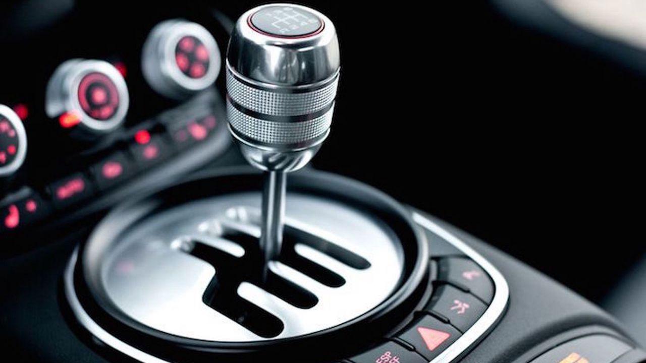 Negli USA si vendono più auto elettriche che con cambio manuale