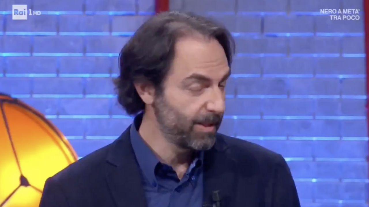 Neri Marcorè imita il premier Conte da Amadeus: il risultato è impressionante!
