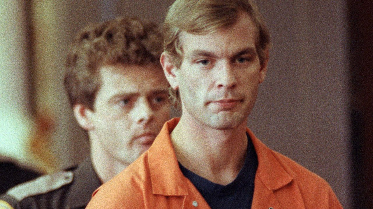 Netflix, Ryan Murphy produrrà Monster: la serie limitata sul serial killer Jeffrey Dahmer!