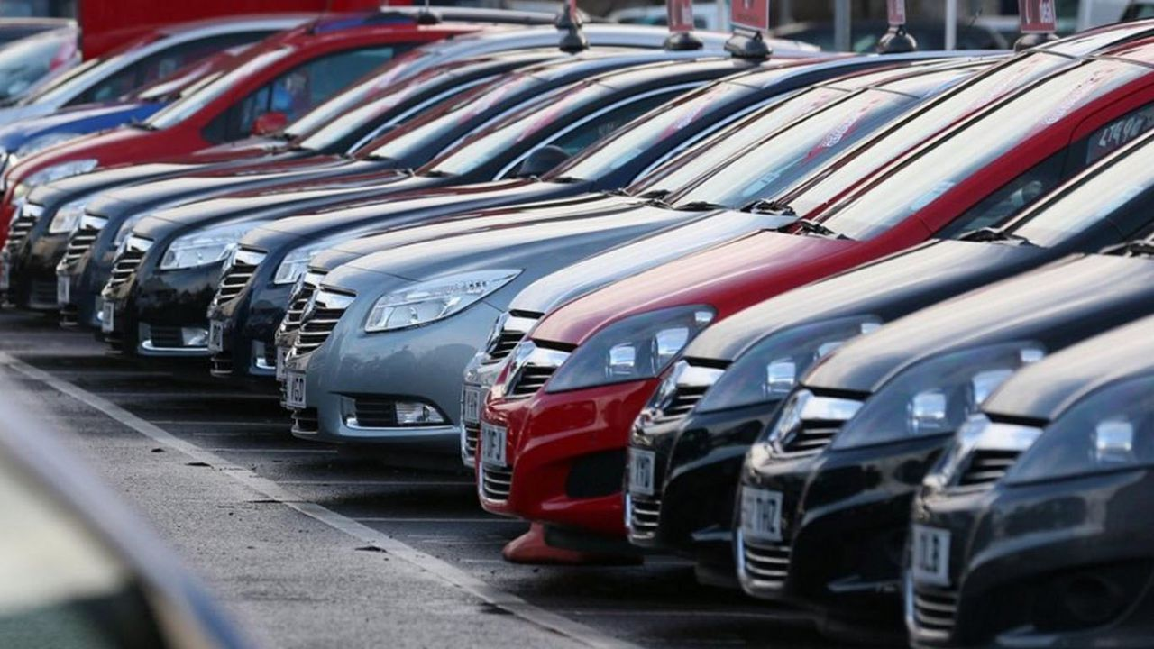 Niente bollo auto per chi guadagna meno di 25.000 euro, la proposta