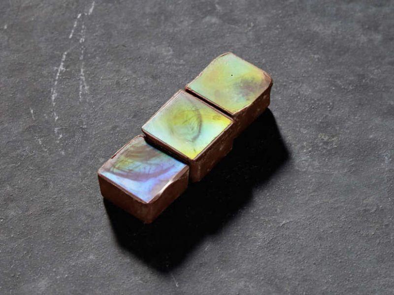No, questo non è uno strano materiale alieno, ma cioccolato commestibile al 100%