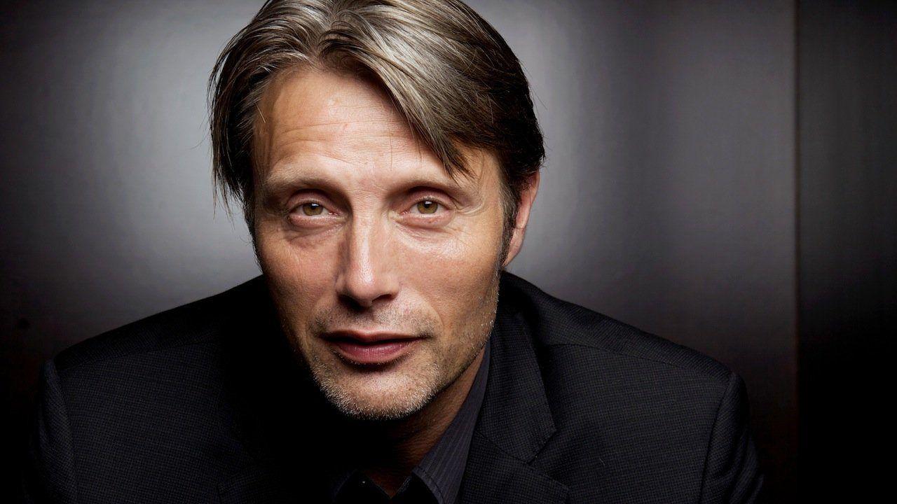 No Time to Die, Mads Mikkelsen: 'Vorrei convincere Daniel Craig a fare un altro film'