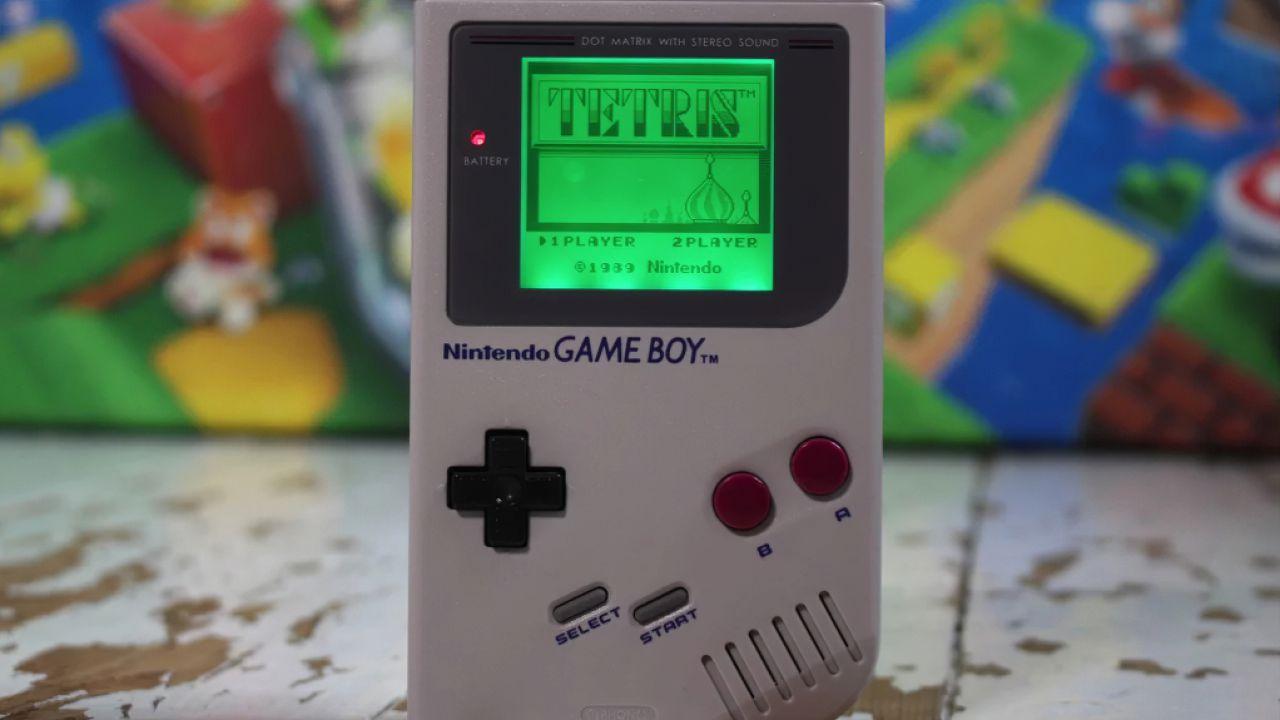 Nonna di 95 anni rompe il suo Game Boy, l'assistenza clienti di Nintendo gliene regala uno