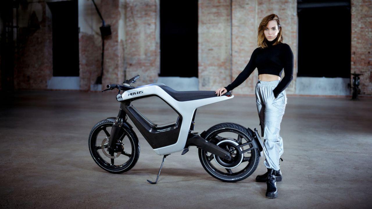 NOVUS, la moto elettrica folle nel design e nei prezzi