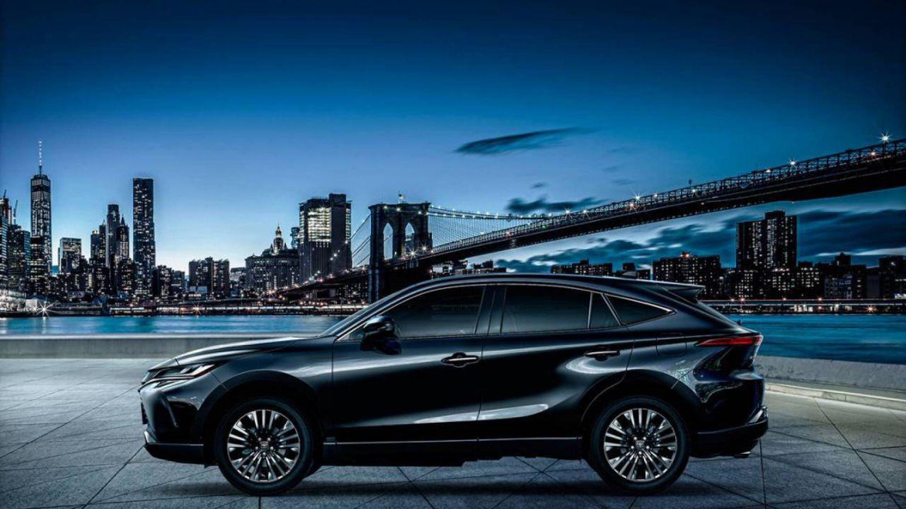 Nuova Lexus RX: il SUV di fascia alta con la piattaforma del RAV4