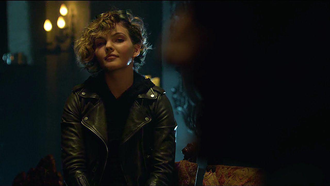 Nuova Occhiata Ai Costumi Di Catwoman E Joker Di Gotham In
