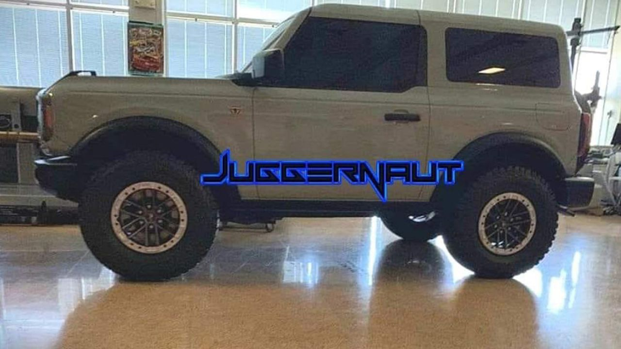 Nuove foto mostrano anche il Ford Bronco a 2 porte