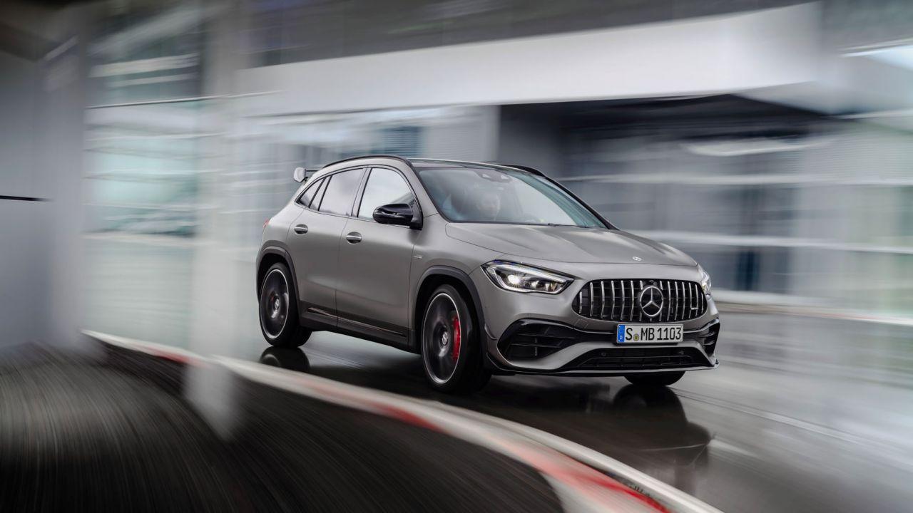 Nuovo Mercedes-AMG GLA 45 4MATIC+, potenza e controllo assoluti
