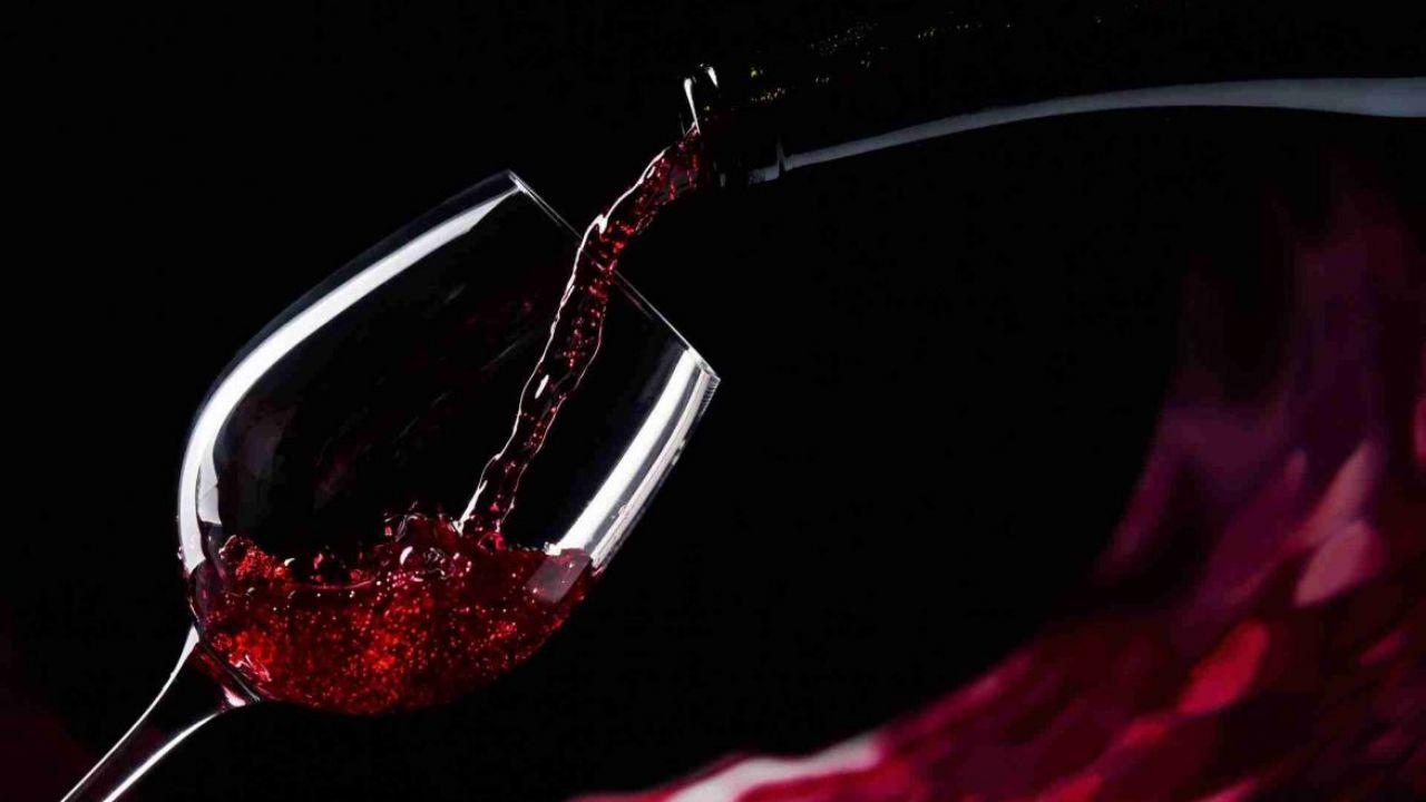 Nutrienti nel tè, nel vino rosso e nelle mele possono abbassare la pressione sanguigna