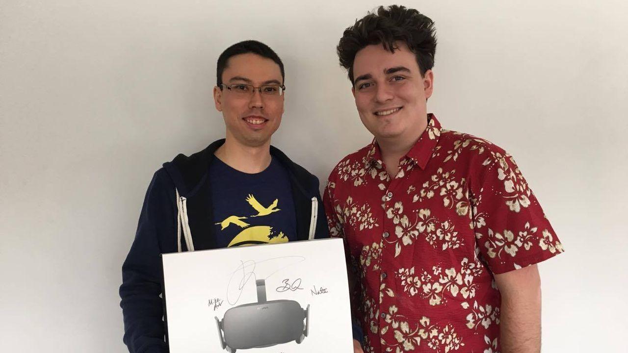 Oculus Rift: Palmer Luckey ha consegnato personalmente il primo visore ordinato
