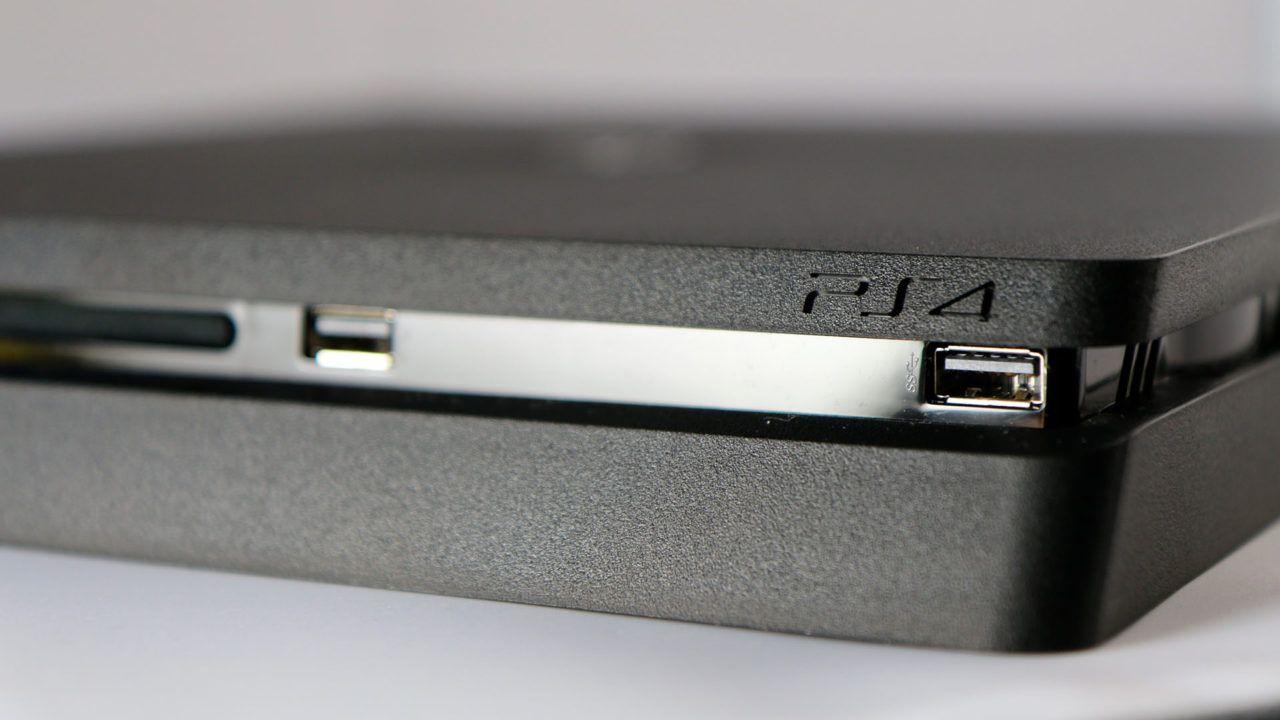 PS4 Slim con FIFA 17 in offerta a 349,99€ da Euronics