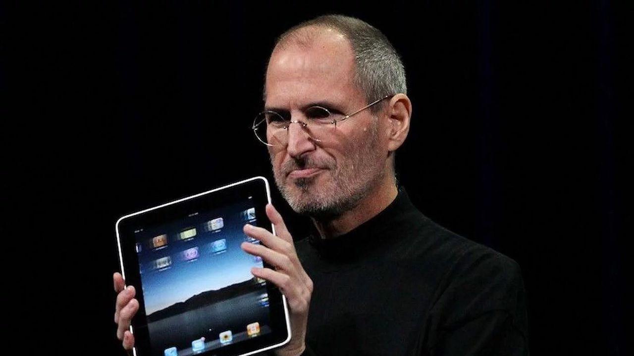 Oggi sarebbe stato il 65esimo compleanno di Steve Jobs: Tim Cook ...