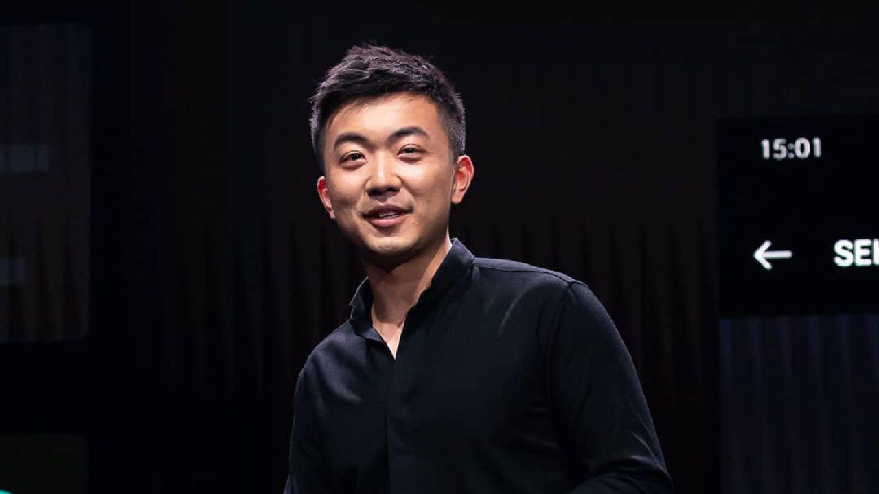 OnePlus, è ufficiale: Carl Pei ha realmente lasciato l'azienda, i motivi