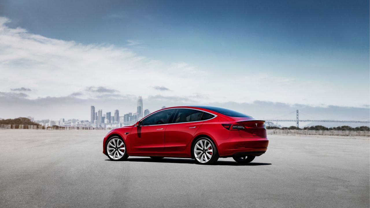 Online il configuratore italiano della Tesla Model 3: modelli e opzioni