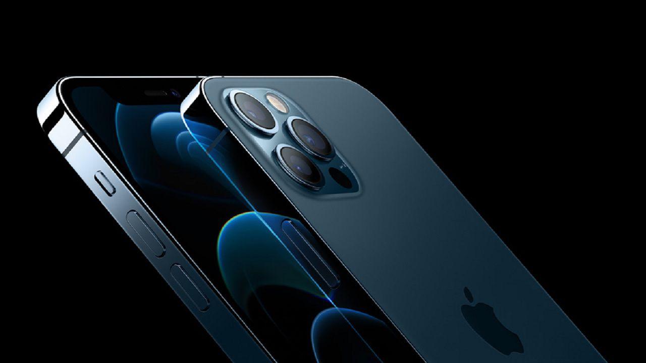 Ordina da Apple un iPhone 12 Pro Max e riceve uno yogurt alla mela