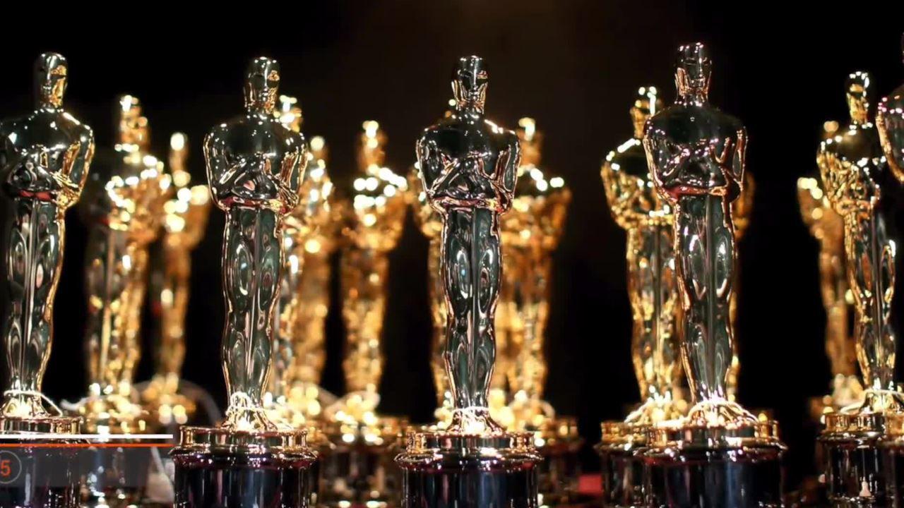Oscar 2019: un vigile del fuoco allontana dal red carpet Bob Iger e Alan Horn
