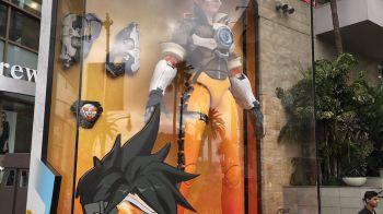 Overwatch: foto e video delle statue giganti di Parigi, Hollywood e Busan
