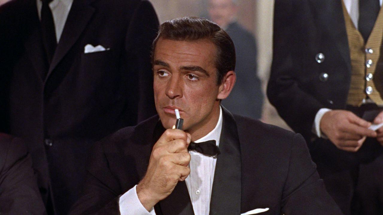 Per i dottori James Bond dovrebbe avere la clamidia dopo così tanto sesso occasionale