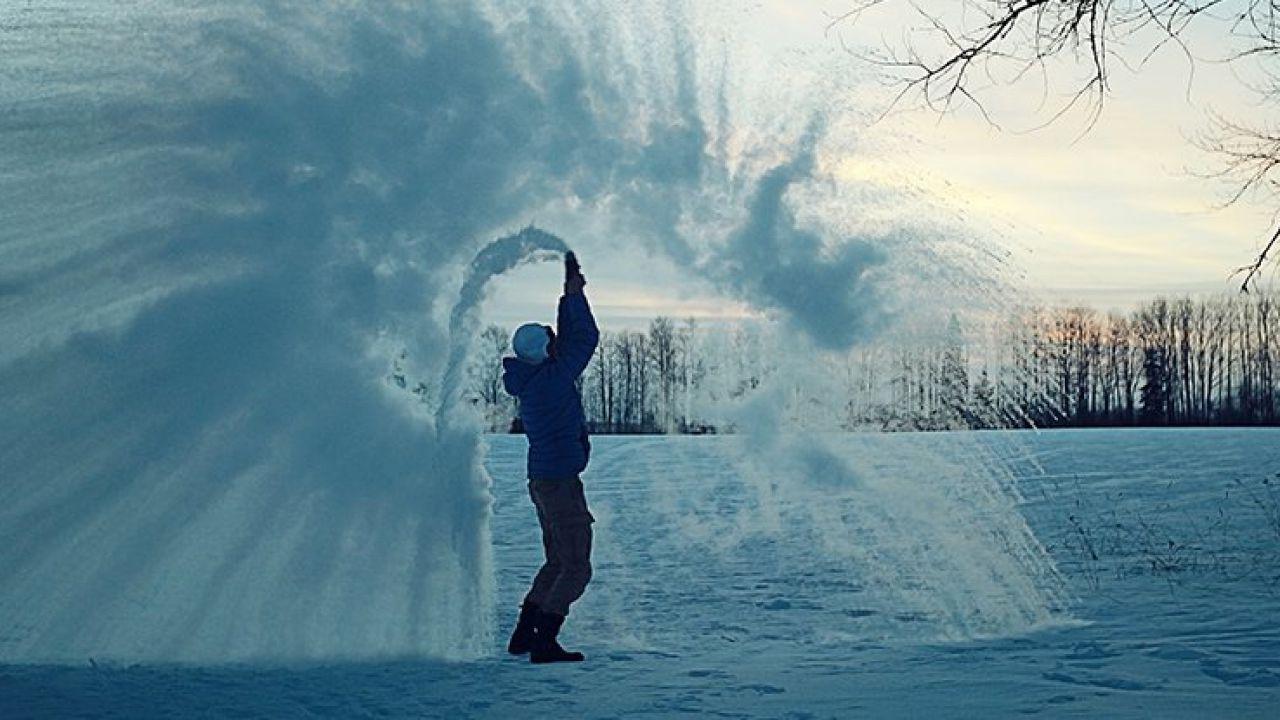 Perché l'acqua calda raffredda prima dell'acqua fredda