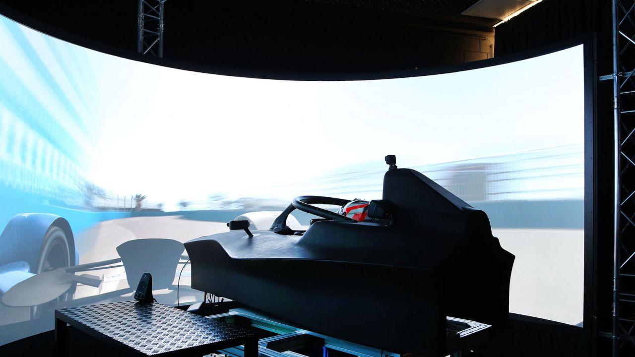 Philipp Eng vi spiega come funziona il Simulatore di Corse BMW Motorsport