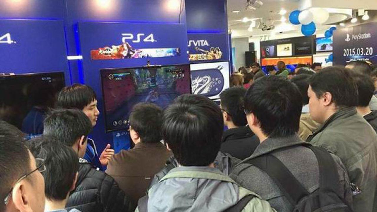 PlayStation 4 senza hard disk e con 4 GB di RAM nei piani iniziali