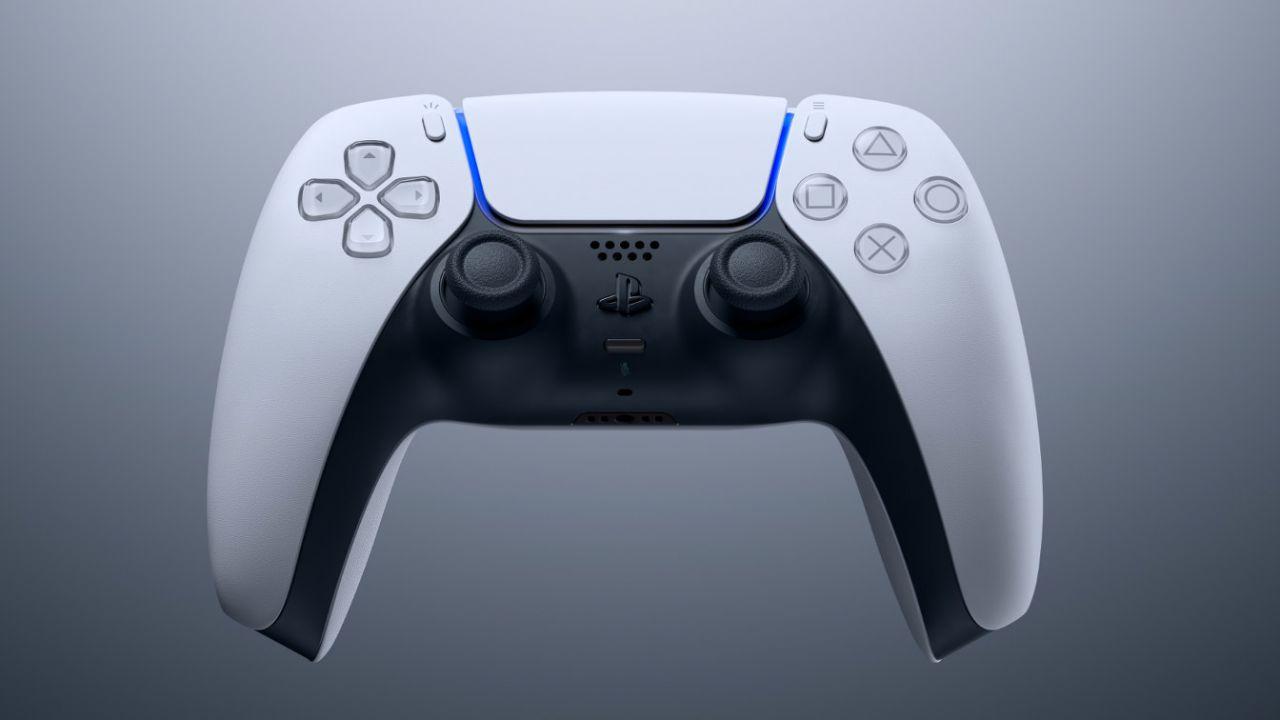 PlayStation 5: Sony ha regalato un DualSense personalizzato ai propri dipendenti
